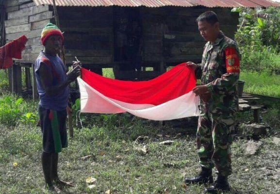 Koramil Arso motivasi warga pegunungan Keerom kibarkan Merah Putih