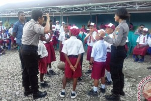 Tim ekspedisi Cartenz Polwan ajarkan makna Pancasila
