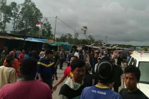 Ratusan nelayan mengungsi ke Sekretariat KKJB Mimika