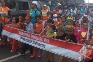 1.500 siswa TK/PAUD Biak ikut karnaval Kemerdekaan RI