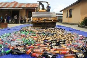Polres Jayapura musnahkan ribuan botol minuman keras