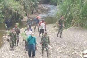 TNI-Polri bersama warga musnahkan ladang ganja di hutan Ebsibding
