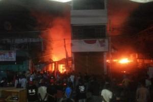 Belasan rumah sewa di Gurabesi Kota Jayapura terbakar