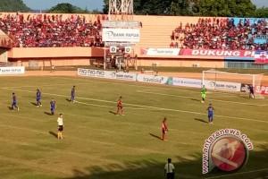 Persipura gagal raih poin penuh saat menjamu Persib Bandung
