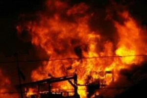 Warga Enarotali bakar mobil dinas hingga mencuat kerusuhan