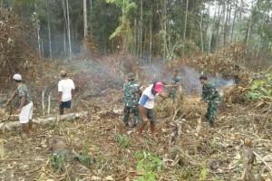 Koramil Getentiri bantu masyarakat buka lahan pertanian