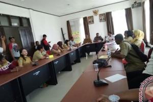 Polisi sosialisasi Saber Pungli di Disperindag Mimika