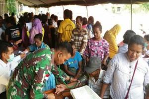 Kemenhan dan Satgas Pamtas RI-PNG gelar pengobatan massal