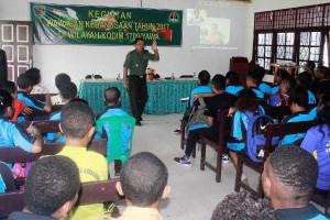 Dandim 1709/Yawa bekali wawasan kebangsaan pelajar SMK YPK Serui