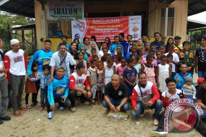 Gabungan komunitas olahraga Jayapura gelar bakti sosial