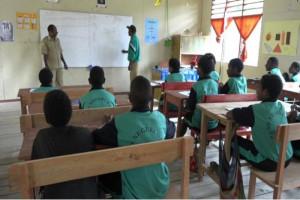 Tujuh guru Kampung Dal bangun tiga ruang kelas secara swadaya
