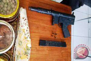 Polisi terima senjata api dari warga Keerom
