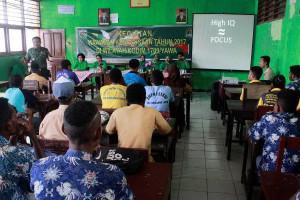 Dandim 1709/Yawa mengajar bela negara di SMK Muhammadiyah serui