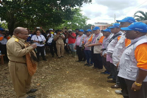 "Gubernur Papua lepas tim kesehatan ""Save Korowai"""