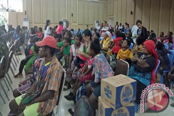 803 warga Banti-Kimbeli dievakuasi ke Timika