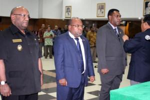 Pengurus KONI Papua periode 2013-2017 masih bisa bekerja