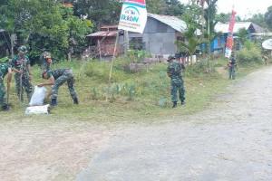 Kodim 1711/BVD bersihkan lingkungan Kampung Mawan
