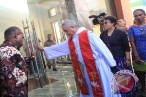 Uskup Jayapura ajak OMK manfaatkan pastoran baru