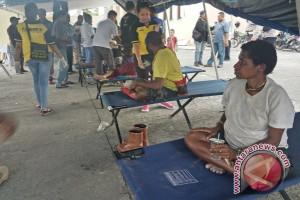 Para pengungsi korban KKB mulai terserang diare