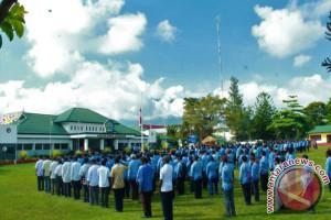 Pemkab Jayawijaya akan mengurangi insentif ASN malas