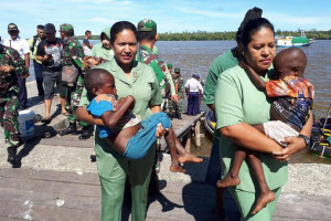 Persit Merauke ikut evakuasi pasien campak-gizi buruk