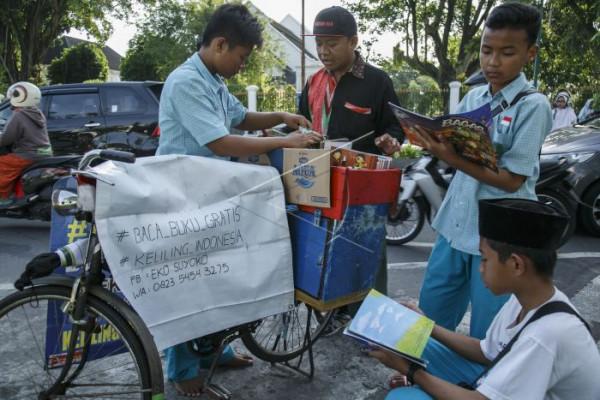 Onthel Pustaka keliling Indonesia