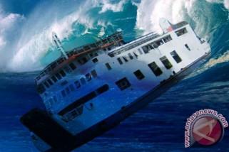 Kapal pencuri ikan KM Laut Maluku tenggelam sebelum diledakan