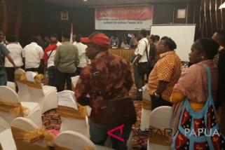 Kandidat petahana Pilkada Mimika dinyatakan tidak memenuhi syarat