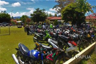 Polres Jayawijaya tahan 200 motor curian
