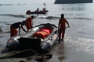 Dua orang tewas terseret ombak saat swafoto di Depapre
