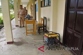 UNBK SMK Ninabua Jayawjaya terkendala listrik dan internet