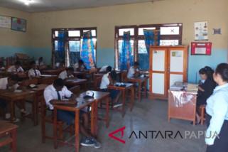 Seluruh SMP Negeri di Jayawijaya tidak melaksanakan UNBK