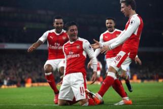 Arsenal kandaskan Stoke City di Zona degradasi