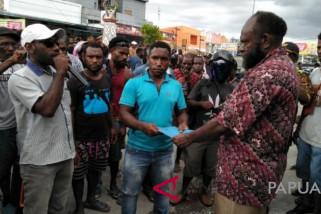 Massa duduki kantor Gakkumdu Mimika terkait pilkada