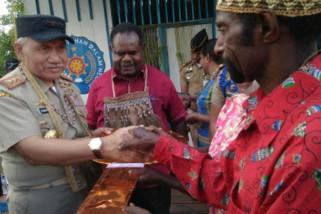 Gubernur IPDN resmikan rumah yang dibangun praja di Asmat