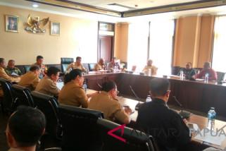 Plt Bupati Mimika perintahkan pimpinan OPD percepat pembangunan