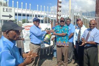 PLI serahkan bantuan warga Papua untuk korban gempa PNG