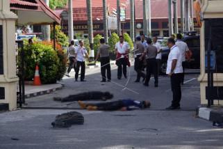 Empat terduga teroris tewas saat beraksi di Mapolda Riau