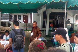 Warga Timika antusias memilih di TPS pilkada