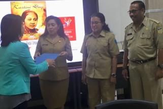 Diaspora Indonesia serahkan bantuan untuk Asmat
