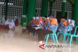 JCH Biak Numfor menuju embarkasi Hasanuddin Makassar