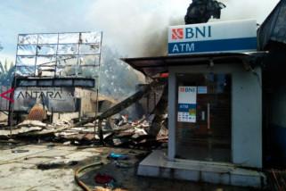 Kantor Primkopal Manokwari dan bangunan di sekitar ludes terbakar