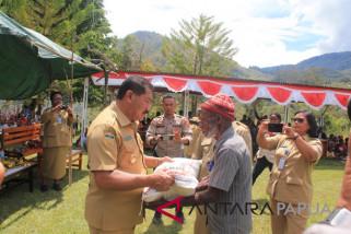 Wabup Jayawijaya kawal distribusi rastra ke dua distrik