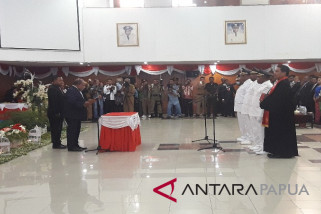 Gubernur Papua lantik Bupati Puncak dan Mamteng