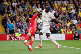 Manchester United hentikan start sempurna Watford