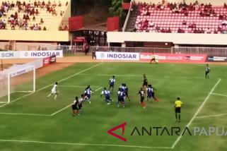 Penalti Hilton bawa Persipura kalahkan Arema 1-0