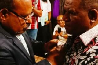 Gubernur Papua kukuhkan Kadispora Biak Numfor sebagai Panitia Sub PB PON