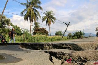 Jalan Lasoso Sigi rusak parah pascagempa 5,2 SR