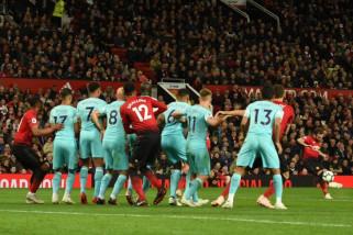 Manchester United bangkit dari ketertinggalan 2 gol dan taklukkan Newcastle 3-2