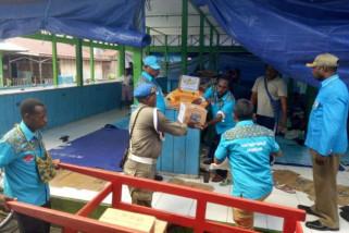 KNPI Asmat berikan bantuan kepada korban kebakaran